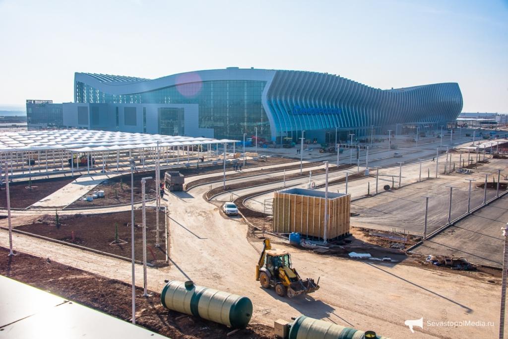 Незаконных таксистов непустят вновый терминал аэропорта Симферополя
