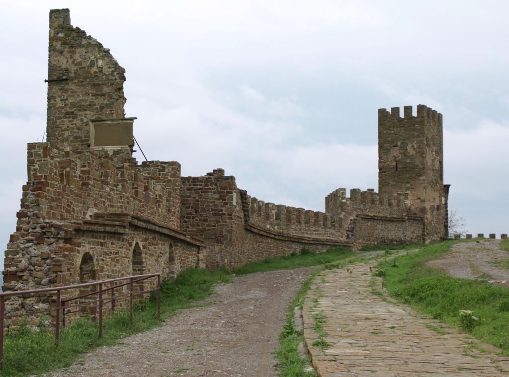 Следкомитет обвинил директора музея-заповедника «Судакская крепость» всовершении должностных правонарушений