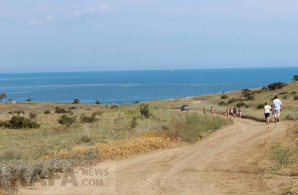Фото новости - Дырявое решето минэкологии на въезде в Тихую бухту(фоторепортаж)