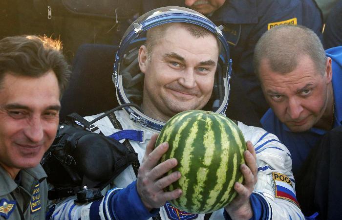 Капсула «Союза» сэкипажем МКС удачно приземлилась вКазахстане