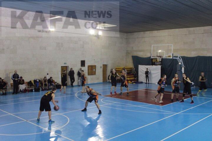 Фото новости - Феодосийские баскетболисты уверенно победили команду из Симферополя
