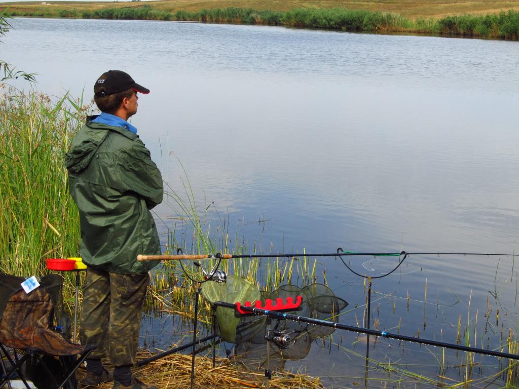 где в феодосии можно ловить рыбу