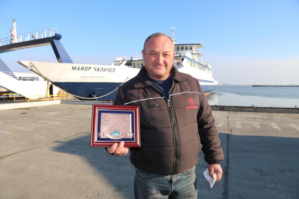 Керченская переправа вчетверг встретит 6-миллионного пассажира