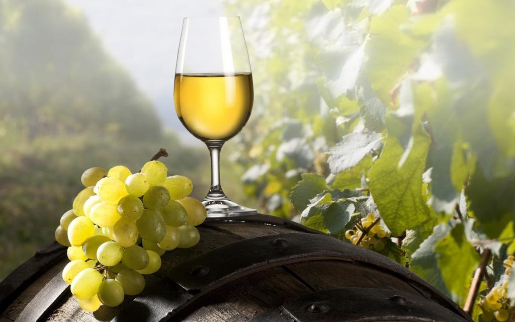 Виноделы Крыма просят несчитать вино спиртным напитком