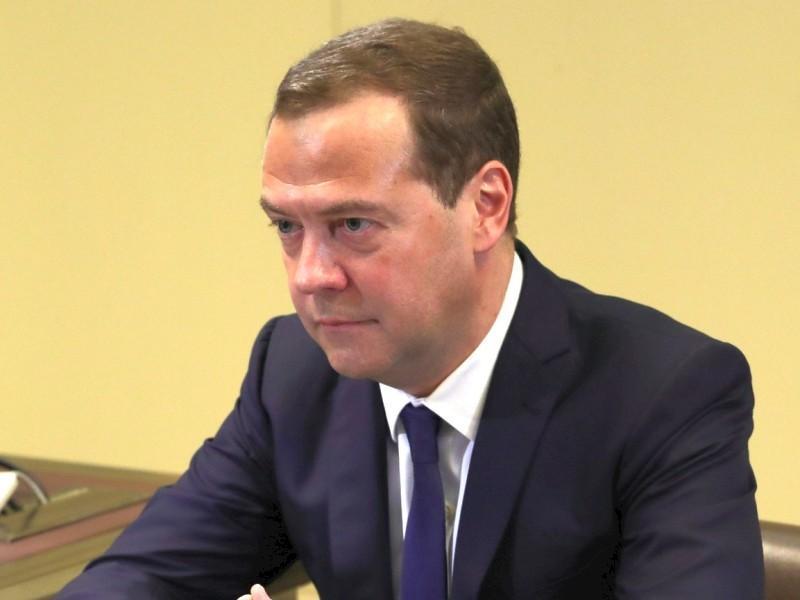 Медведев неоднозначно разъяснил обновление инфраструктуры Крыма: «по ясным причинам»