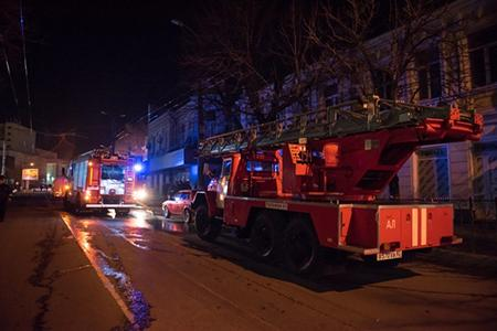 Наночном пожаре вСимферополе спасли 3 человек