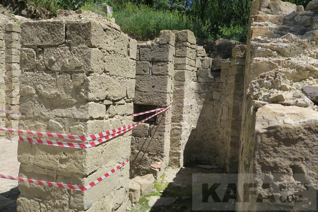 Фото новости - Под Судаком продолжаются раскопки древнего армянского храма(фоторепортаж)