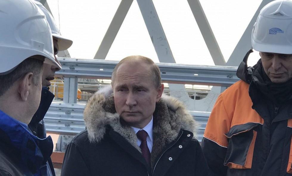 Путин приедет наполуостров поКрымскому мосту— Мысделали это