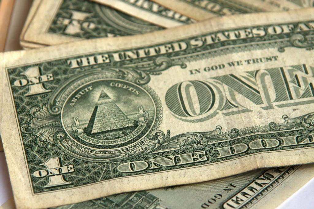Курс доллара превысил 64 рубля наоткрытии торгов