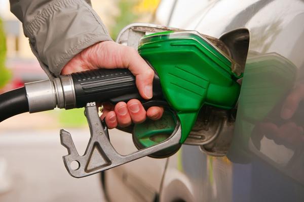 В РФ резко подпрыгнула цена набензин