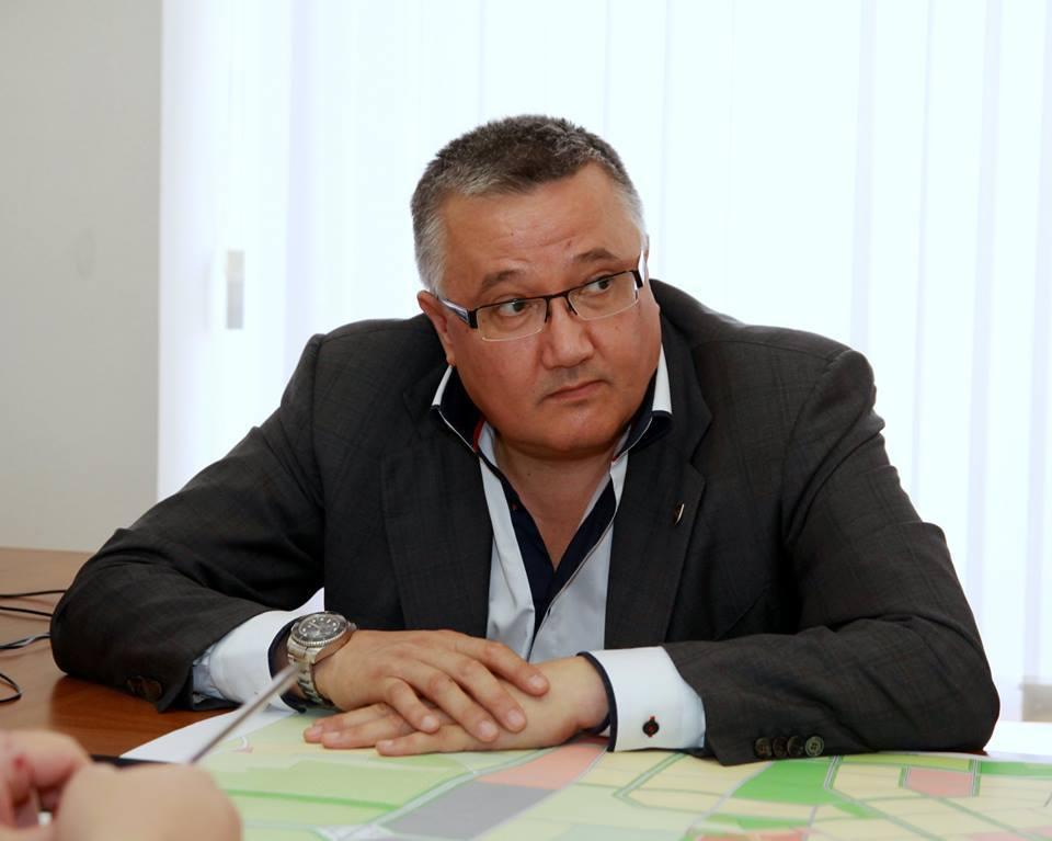 Фото новости - Суд признал незаконным увольнение главного архитектора столицы Крыма Эрнста Мавлютова