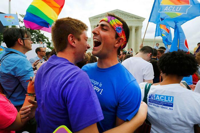 Фото новости - В Феодосии не поддерживают проведение гей-парадов
