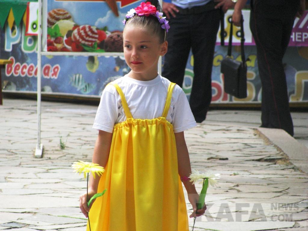 Фото новости - В Феодосии отметили День семьи, любви и верности(фоторепортаж)