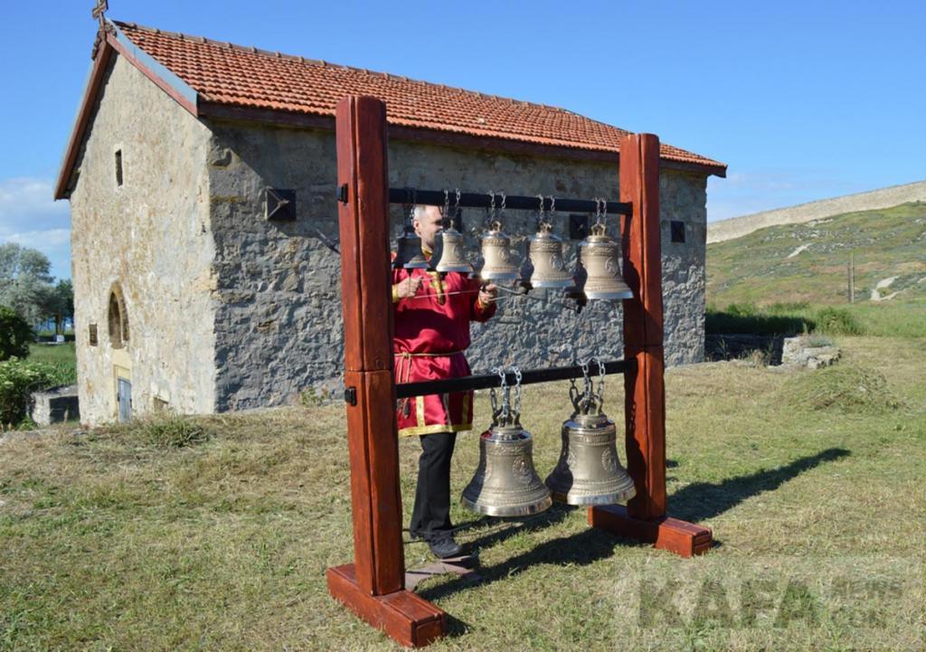 Фото новости - В Феодосии раздался необычайный колокольный звон (видео)(фоторепортаж)