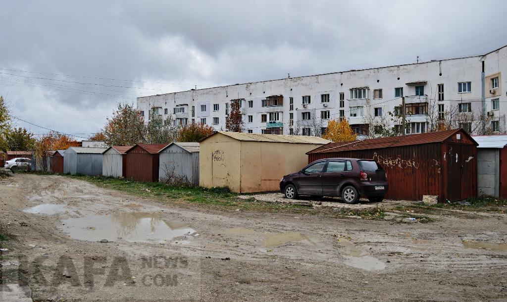 Фото новости - В Феодосии разгорелась гаражная война