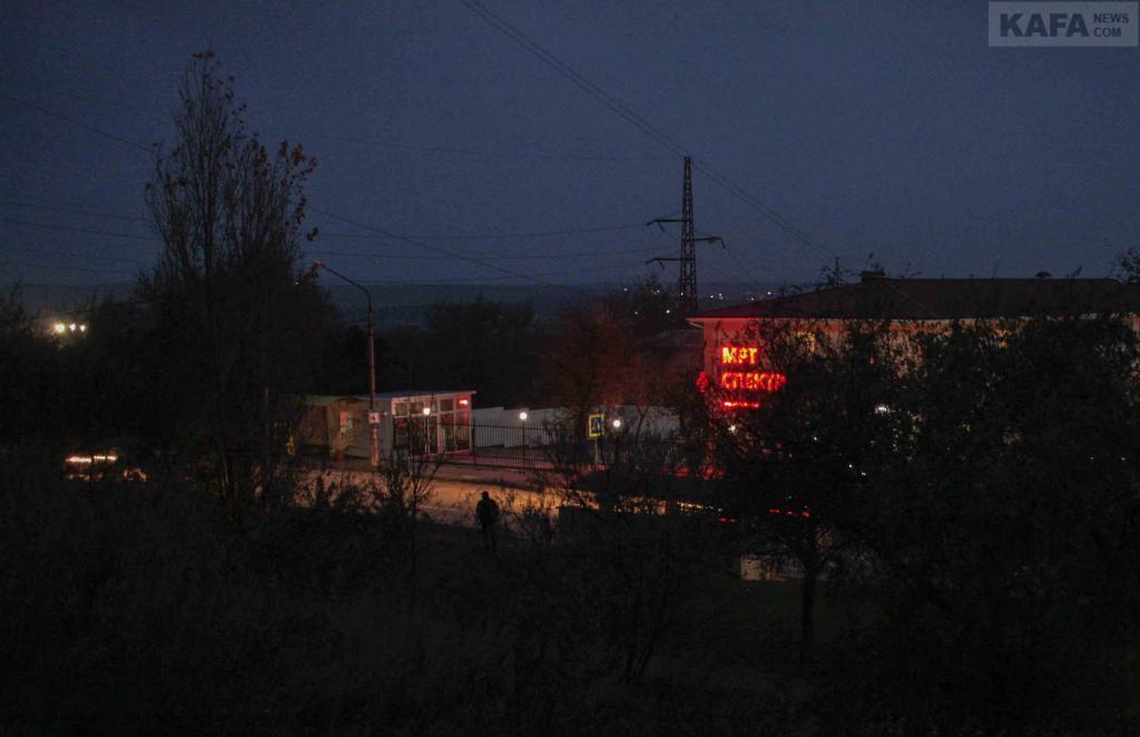 Фото новости - В Феодосии жалоб на отсутствие освещения в утренние часы не поступало