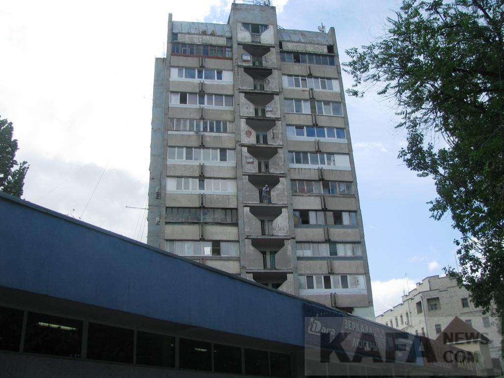 Фото новости - В Феодосии жильцы многоэтажки не довольны работой лифта