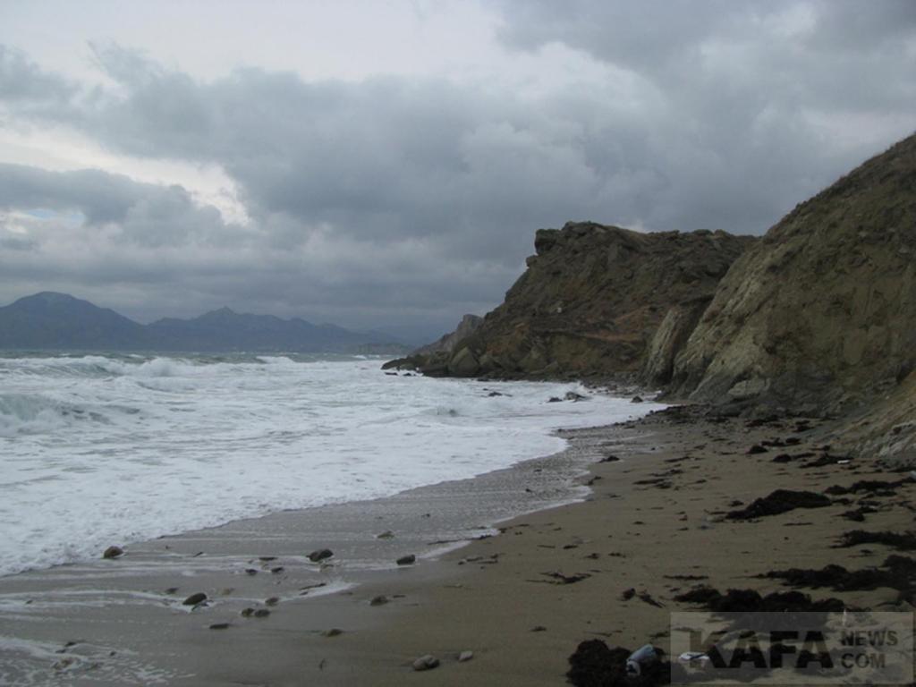 Фото новости - В Феодосии следят за санитарным состоянием пляжей