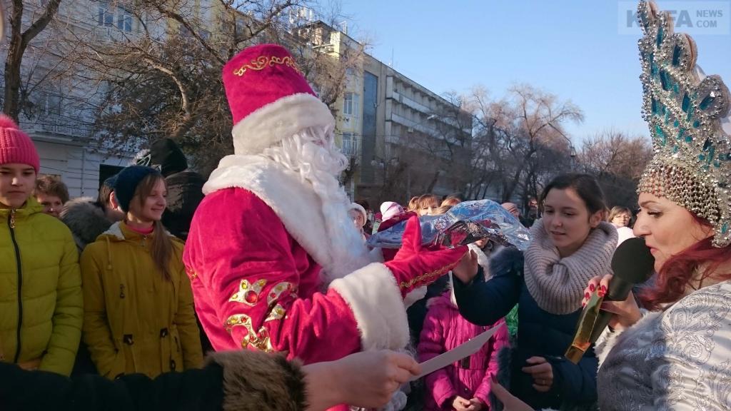 Фото новости - В Феодосии стартовала ежегодная акция «Тайный Дед Мороз»
