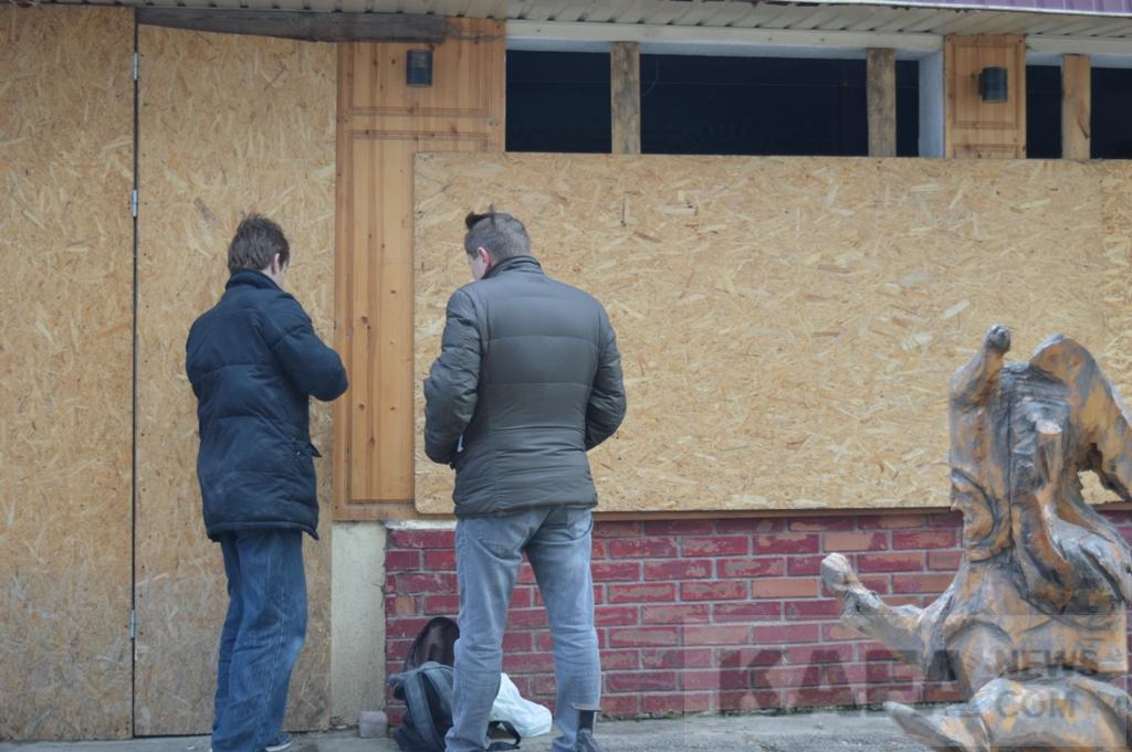 Фото новости - В Феодосии в захваченном кафе «Джокер» украли все имущество (видео)(фоторепортаж)