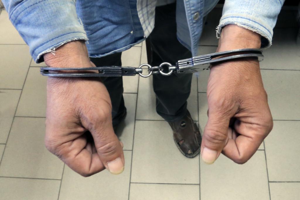 Фото новости - В Феодосии задержан неоднократно судимый торговец наркотиками