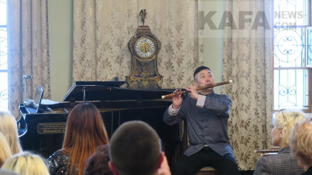 Фото новости - В галерее Айвазовского прошел камерный концерт (видео)(фоторепортаж)
