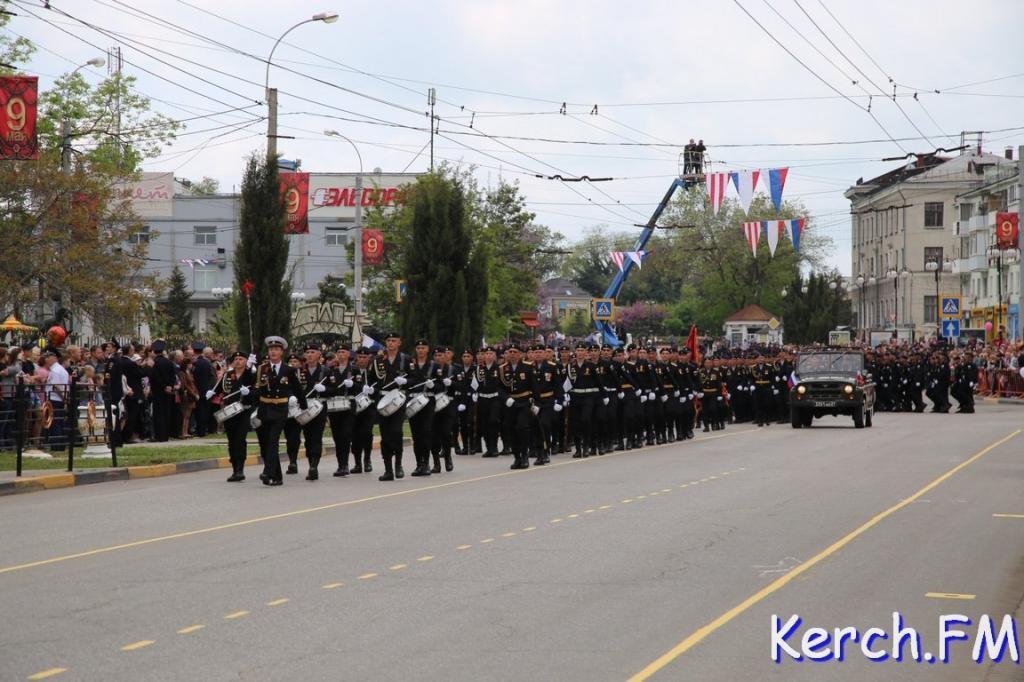 ВНовосибирске напараде Победы прошла женская рота