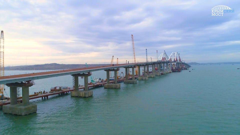 Строительство автоподходов Керченского моста окончено на70%