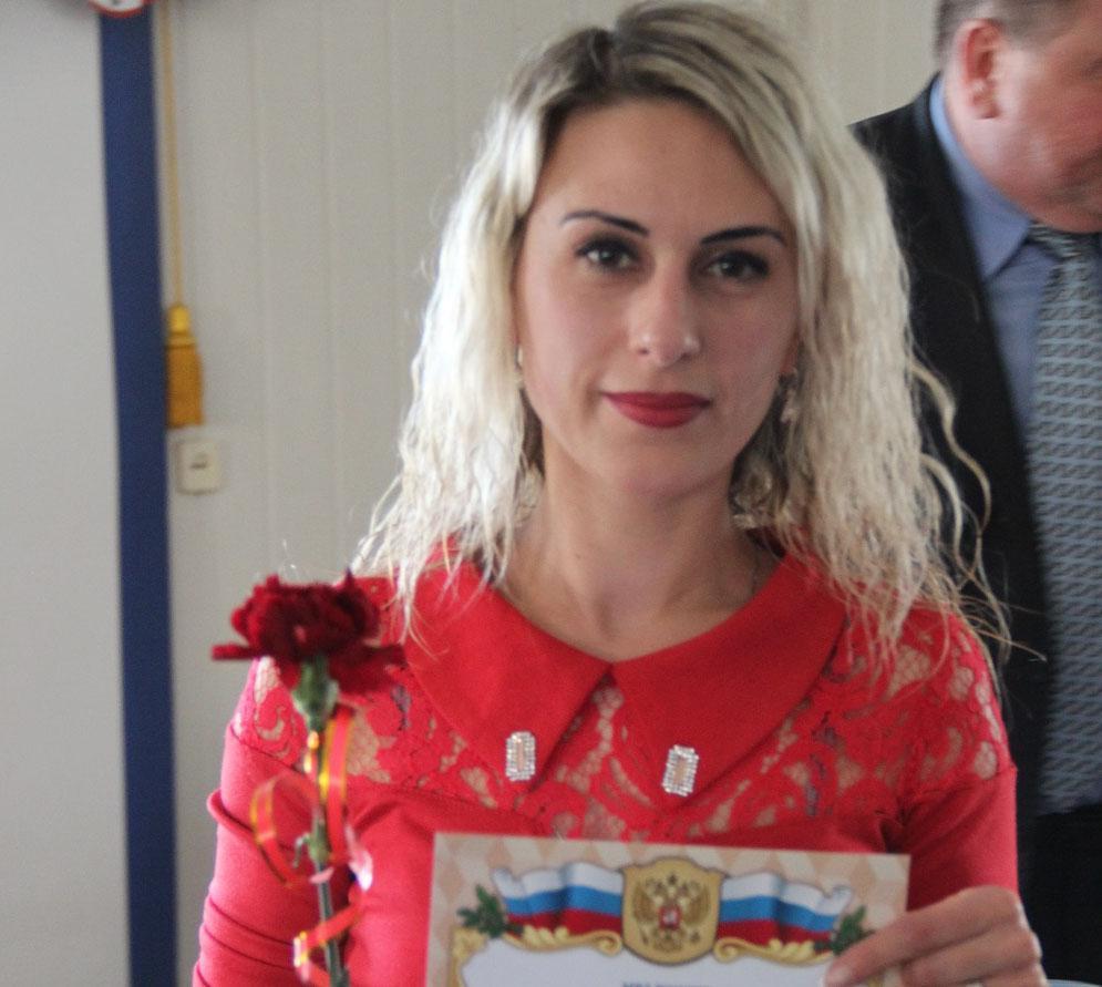 Фото новости - В МВД Феодосии прошли торжественные мероприятия приуроченные к празднованию 8 марта