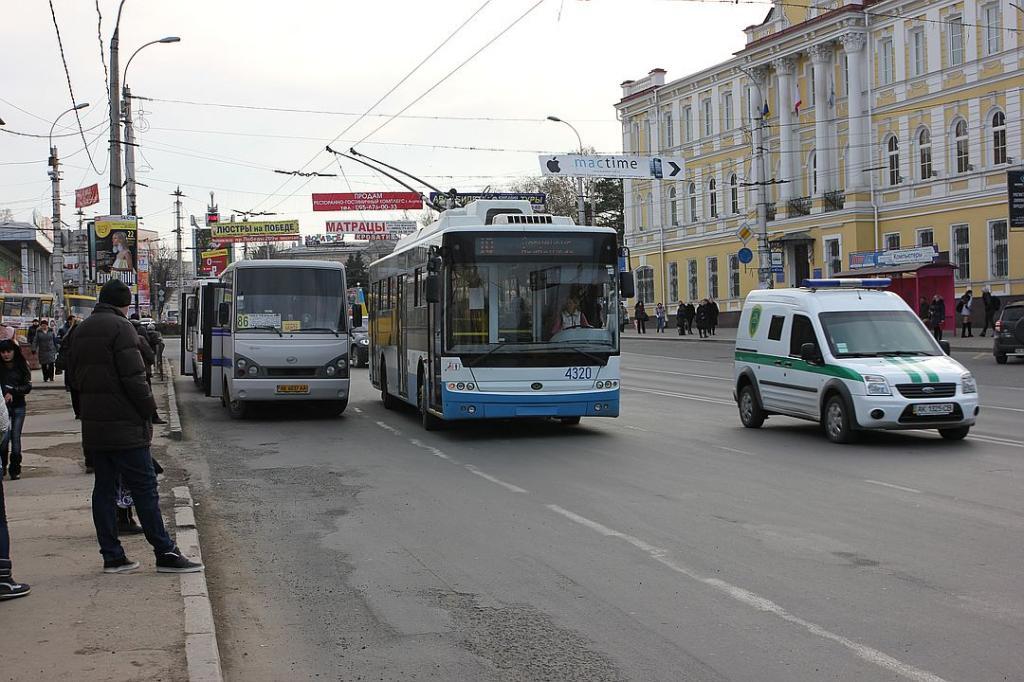 ВКрыму чиновники начали проводить прием жителей вобщественном транспорте