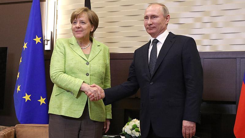 Навстрече Меркель и В.Путина обошлось без нравоучений, сказал Песков