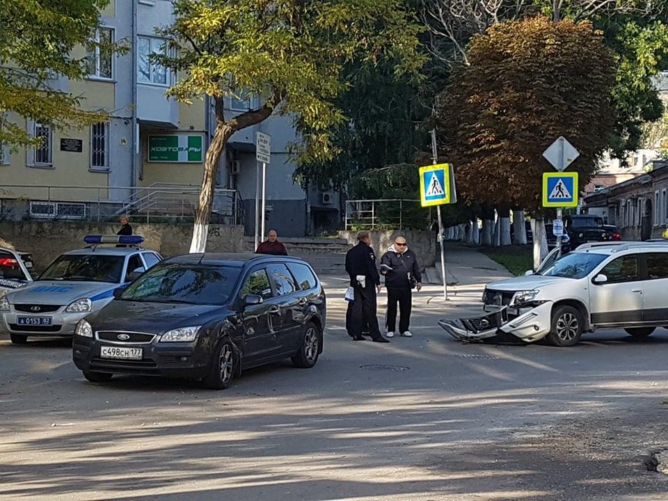 Фото новости - Водитель иномарки в результате ДТП потерял бампер возле ФМС