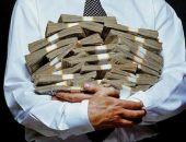В России индексации зарплат чиновникам, военным, судьям и полицейским не будет
