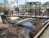 Река Байбуга беспокоит жителей Феодосии:фоторепортаж