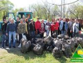 В Крыму во время субботника из Лисьей бухты вывезли более 70 кубометров мусора