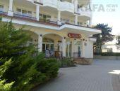 Гурманская: Ресторан «Эрмитаж» - официанты в белых перчатках