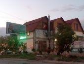 Достойная русско-украинская кухня в кафе «Изба»