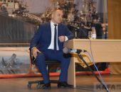 Глава администрации Феодосии Станислав Крысин вновь встретился с гражданами:фоторепортаж