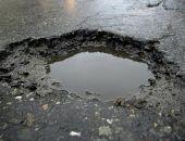 На дорогах Крыма начал портиться асфальт из-за перепадов температур