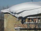 Крыша многоквартирного дома обрушилась в Ижевске под тяжестью снега