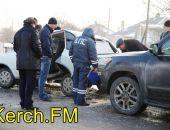 Сегодня в Крыму на ж.-д. переезде в Керчи столкнулись четыре автомобиля