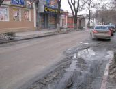 Жители центра Феодосии жалуются на запах канализации:фоторепортаж