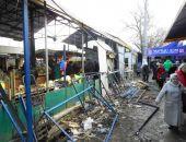 В столице Крыма владелец самостроя на Центральном рынке проиграл суды и начал демонтаж