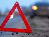 Вчера ночью под Симферополем ВАЗ опрокинулся на скользкой дороге, пострадали двое