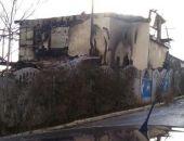 В Феодосии сгорел двухэтажный дом в пгт.Курортное (фото)