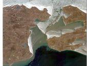 Дрейф льда из Азовского моря в Черное продолжает осложнять работу переправы