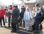 В Феодосии жители улицы Панова вышли на митинг протеста (видео)