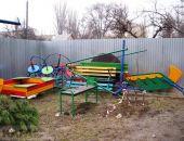 В Феодосии игровую площадку по ул. Федько демонтировали