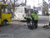 В Феодосии снова ремонтируют дорожное покрытие улиц Победы и Советская