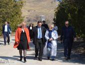 Министр сельского хозяйства Крыма Рюмшин посетил завод марочных вин в Коктебеле:фоторепортаж